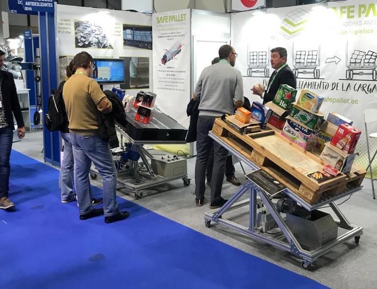 Los intercaladores antideslizantes para pallets de SAFE PALLET se pueden usar tanto para producto de pequeñas dimensiones como para los más pesados. Además, las láminas se pueden aplicar tanto en pallets europeos (80 x120 mm) como en los americanos (100 x 120 mm).